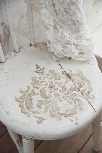 Bord med Vintage paint och schabloner